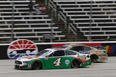 Harvick Finishes 16th at Texas Motor Speedway