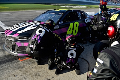Jimmie Johnson's final Daytona 500 ends early