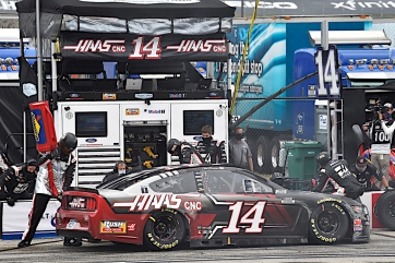 Clint Bowyer 18th at New Hampshire
