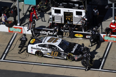 Almirola Finishes 29th at Bristol