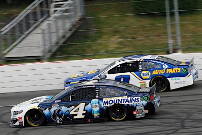 Harvick Finishes Solid Second at Pocono