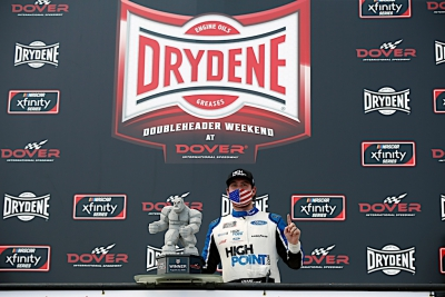 Chase Briscoe rediscovers early-season form in NASCAR Xfinity win at Dover