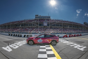 Ford Looks to Continue Hot Streak at Talladega with 10th Win in Last Dozen Races; Mustang Mach-E All-Electric SUV to Serve as Pace Vehicle for GEICO 500
