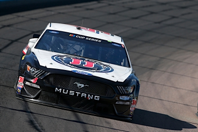 Harvick Finishes Solid Second in Phoenix