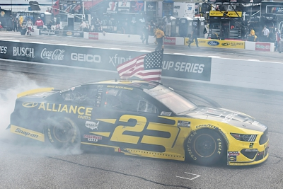 Brad Keselowski wins in dominating fashion at New Hampshire