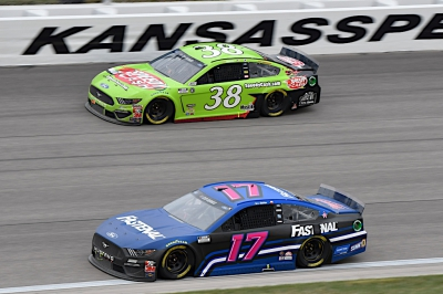 Buescher Battles to Finish 21st in Kansas