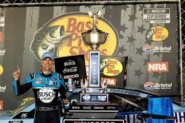 Harvick and Briscoe win at the last great colosseum
