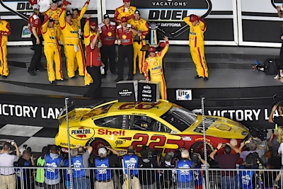 Joey Logano, William Byron win Duel qualifying races at Daytona