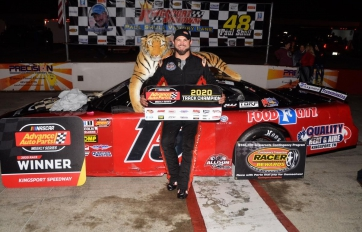 VanDyke Nudges Past Williams to Capture Kingsport Finale