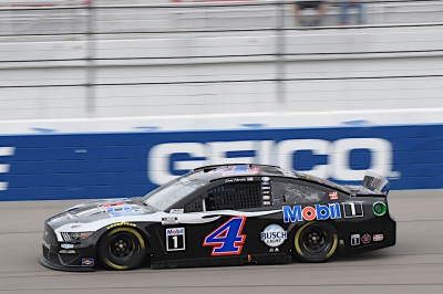 Harvick Finishes 20th at Las Vegas