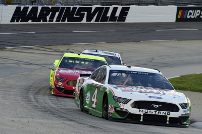 Harvick Finishes 15th At Martinsville