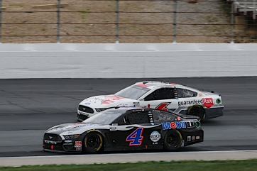 Harvick Finishes Fifth at New Hampshire