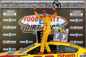 Joey Logano Captures First Win of 2021 in the Food City Dirt Race